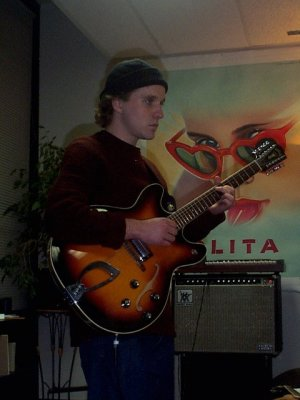 Matt Uelmen jamming. (source: http://www.diabloii.net/features/visit/photos/1231.htm)