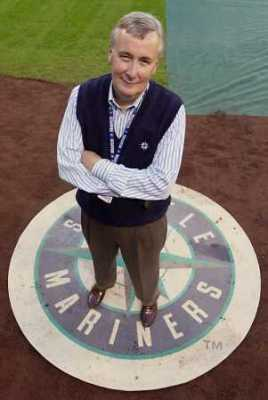 Howard Lincoln is currently CEO of the Nintendo owned Seattle Mariners (Sept. 2000)