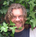Lurking in the bushes, 2007