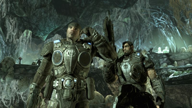 Gears of War 2 Screenshot Exploring underground caves