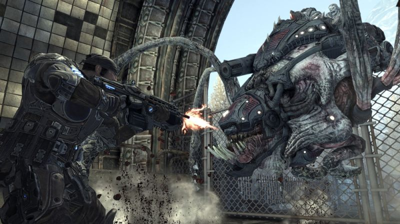 Gears of War 2 Screenshot Fighting a Locust Reaver