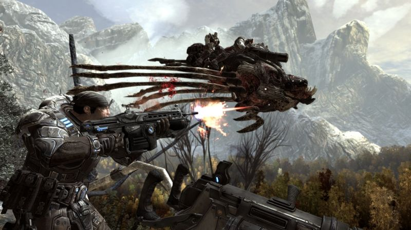 Gears of War 2 Screenshot Shooting at a flying Reaver