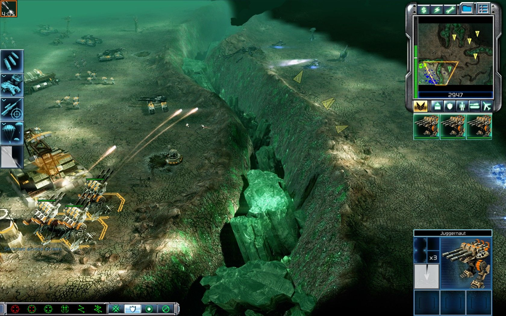 Command & Conquer 3: Tiberium Wars Windows Juggernauts form a deadly combination with Sniper units.