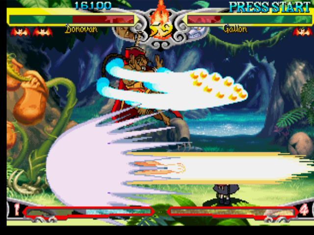 Darkstalkers 3 PlayStation Gallon (J. Talbain) executes his move Beast Cannon against Donovan Baine, that escapes using a jump.