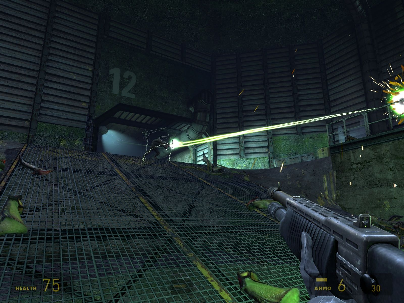 Half-Life 2: Episode Two Windows A Vortigaunt helps defending the position.