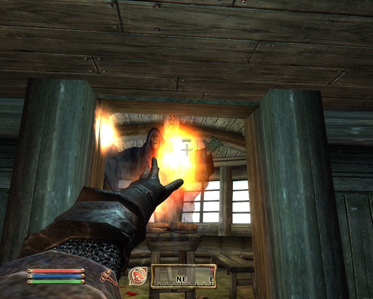 The Elder Scrolls IV: Oblivion Windows A ghost trying to kill me. I give him a taste of my fire magic!..