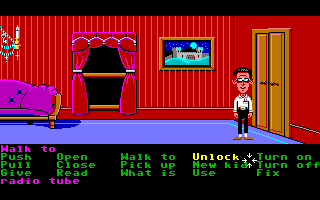 Maniac Mansion Amiga Bernard checks things out.