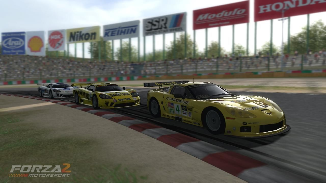 Forza Motorsport 2 Xbox 360 A Corvette C6.R gets chased by two Saleen SR7.