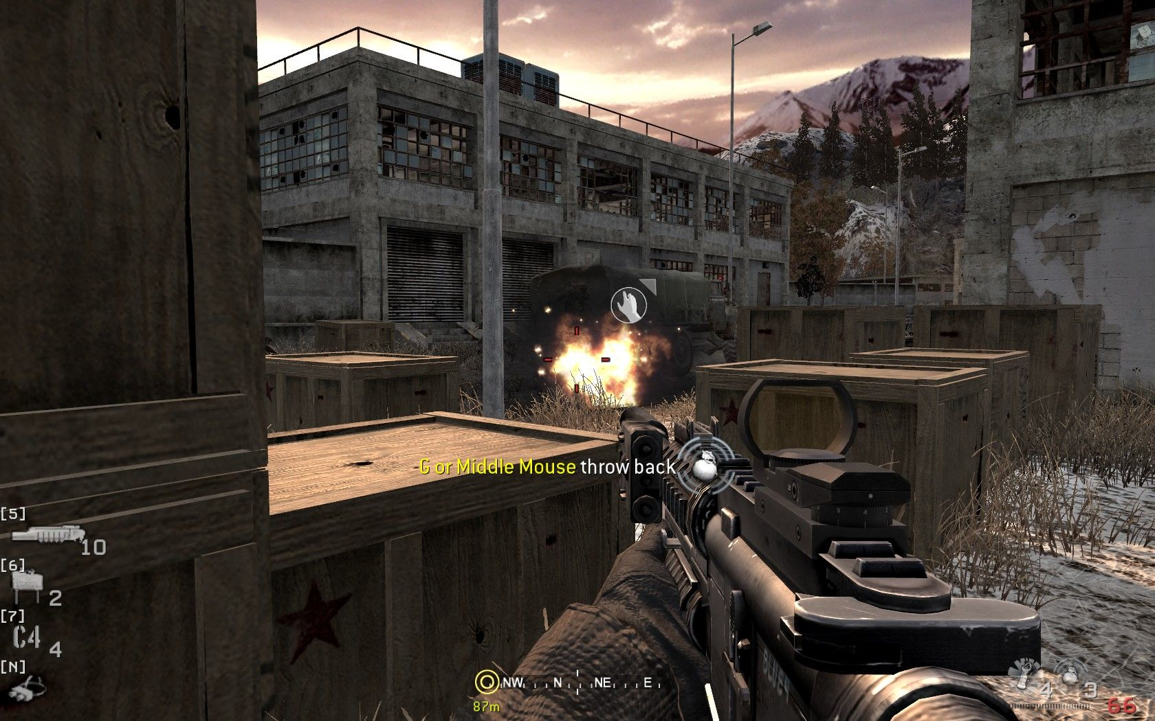 Call of Duty 4: Modern Warfare Windows And if the grenade is too close, you can grab it and throw back.