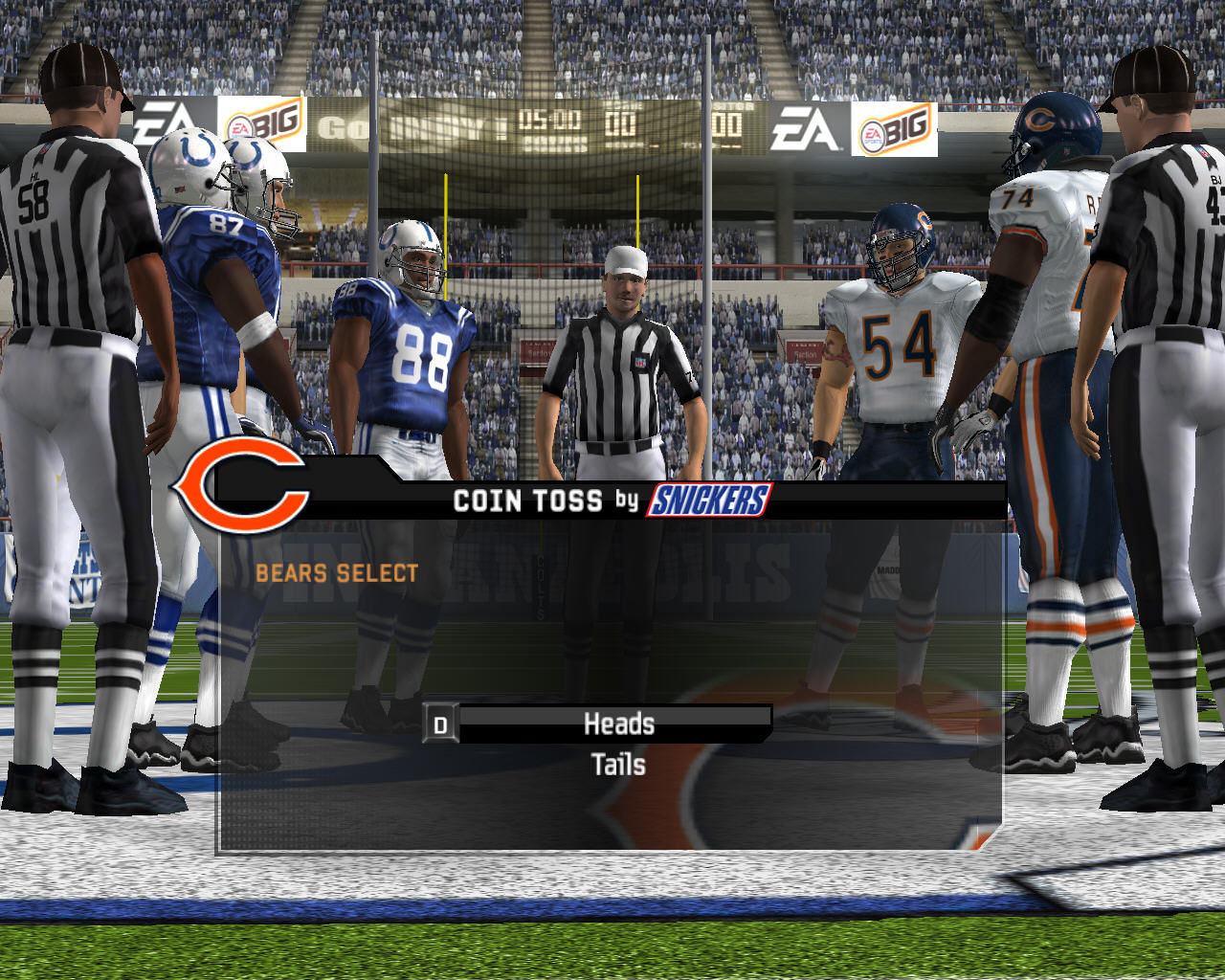 Madden NFL 08 Windows Game starts with a coin toss