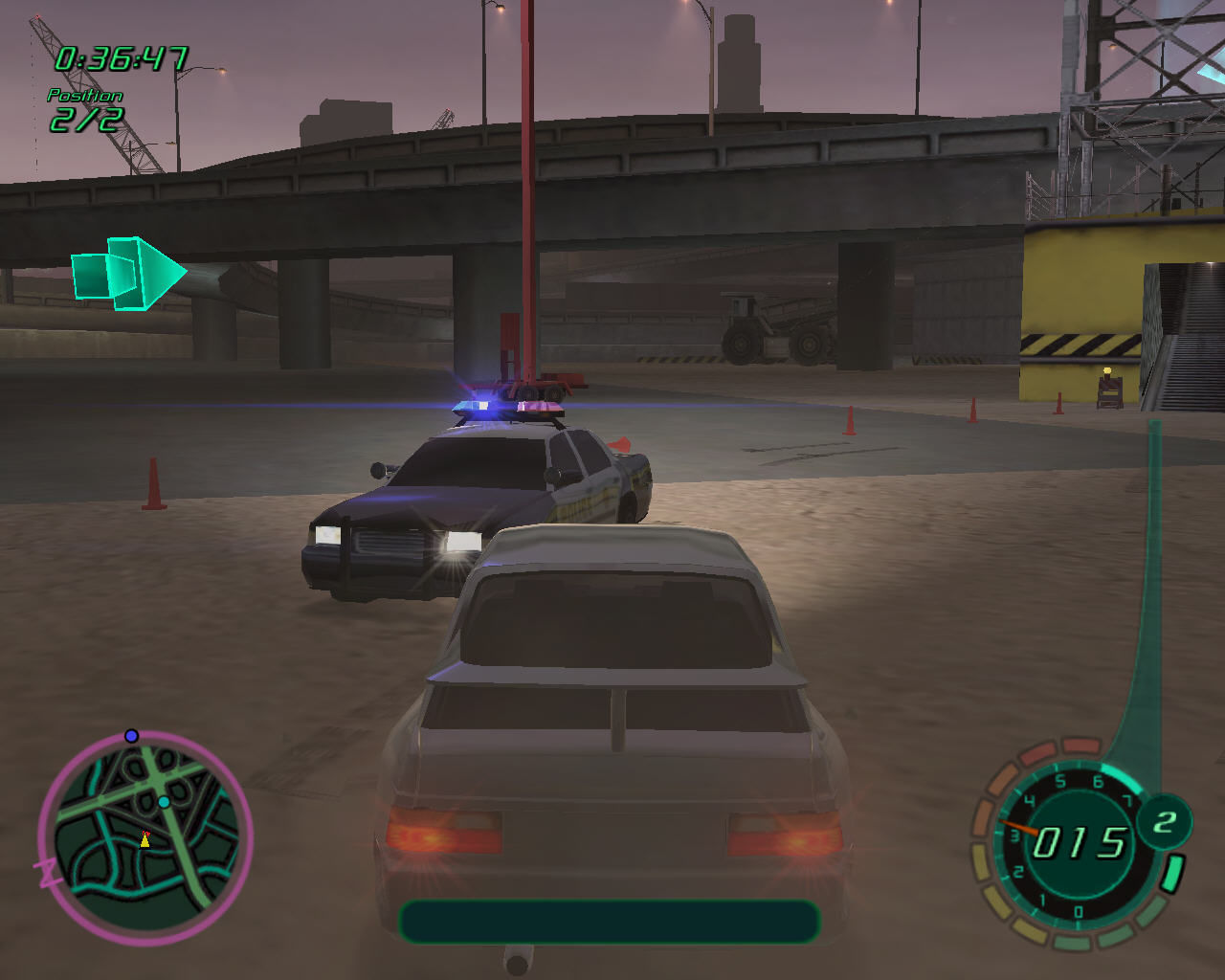 Midnight Club II Windows Player and a police car