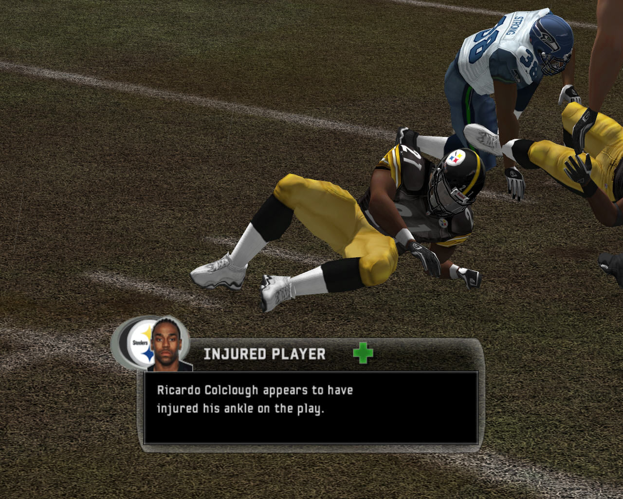 Madden NFL 07 Windows Player injured.