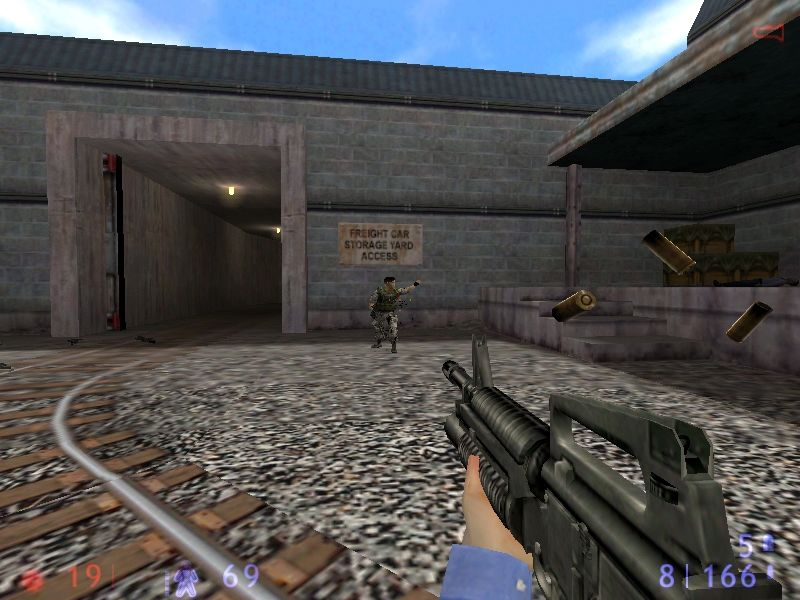 Half-Life: Blue Shift Windows There are no new weapons in Blue Shift but your SMG gets a complete makeover with the high definition textures.