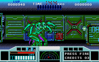 Space Gun Atari ST Aliens moving into position