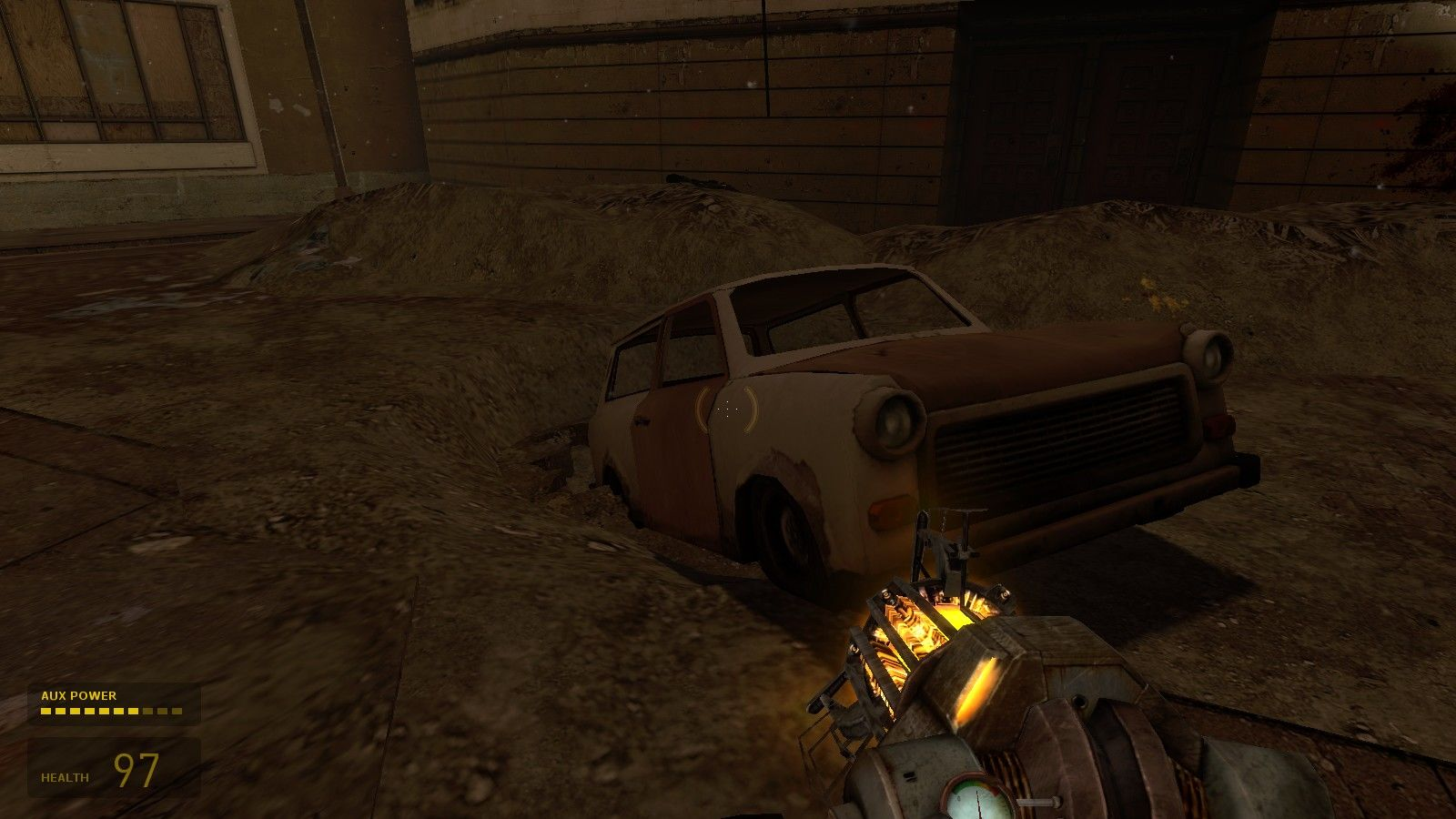 Half-Life 2: Episode One Windows Using an old Trabant to block a hole to stop Antlions coming out