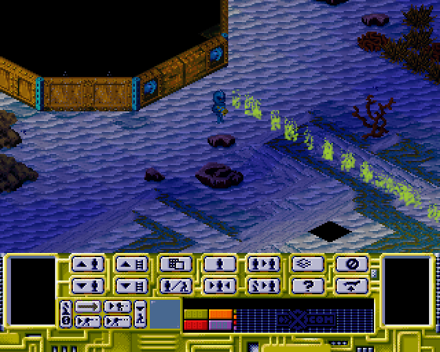 X-COM: Terror from the Deep PlayStation The computer is shooting at your aquanauts during its turn.