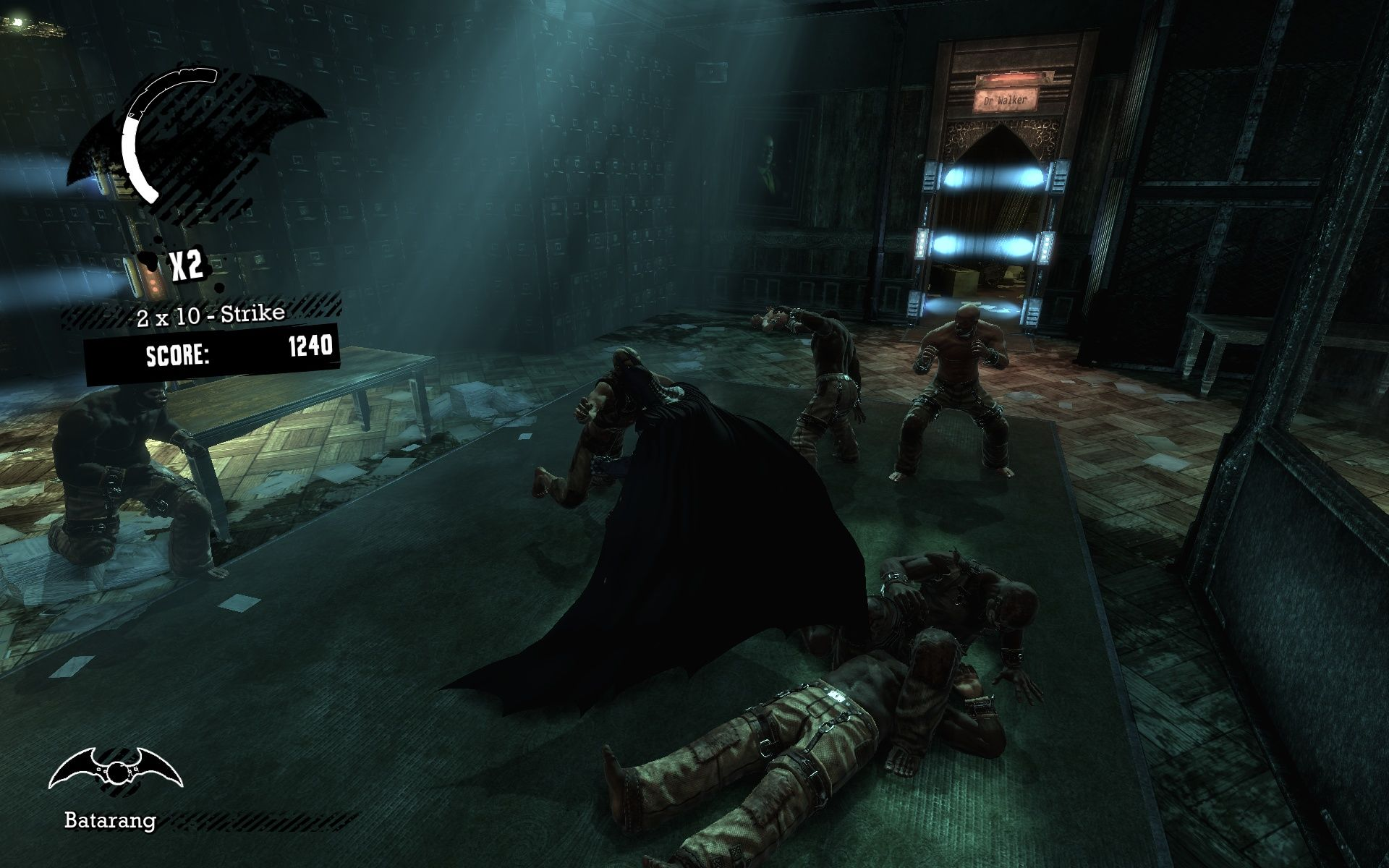 Batman: Arkham Asylum Windows Batman likes to punch and throw people.