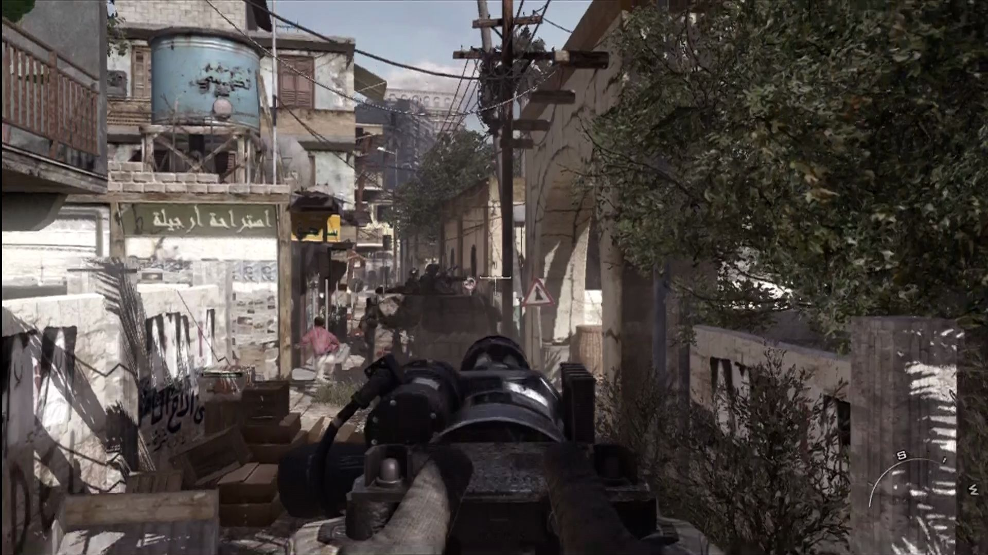 Call of Duty: Modern Warfare 2 Xbox 360 Convoy heads into enemy territory.