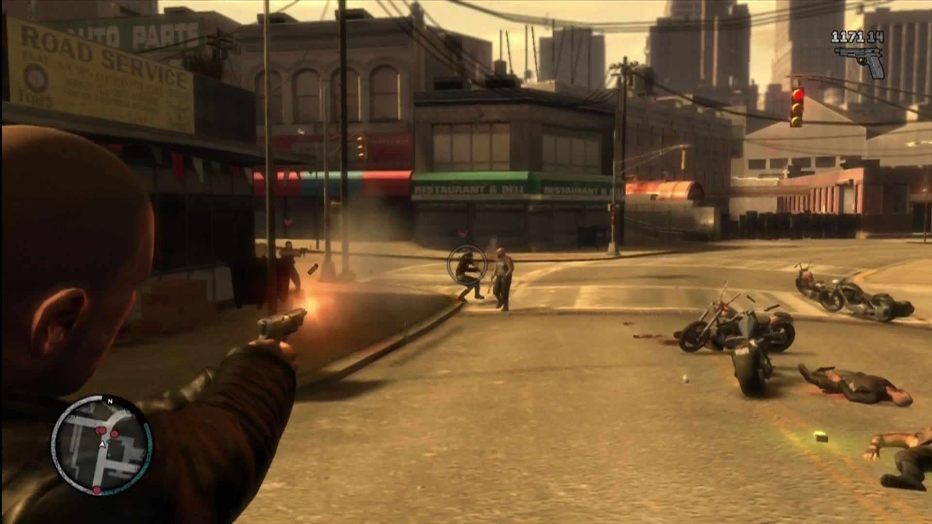 Grand Theft Auto IV: The Lost and Damned Xbox 360 And the new automatic pistol.