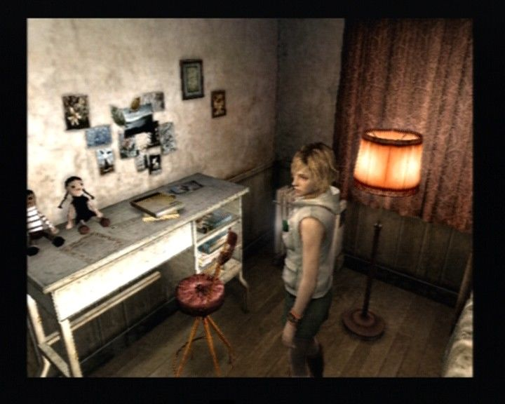 Silent Hill 3 PlayStation 2 Heather, in her room.