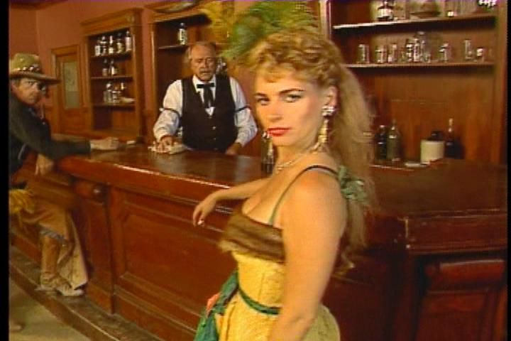 Mad Dog McCree Windows A blonde chick of the Saloon.
