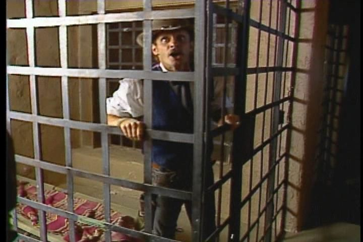 Mad Dog McCree Windows The Sheriff - in his own jail jelling 'Get me outta here!' ... what a loser!