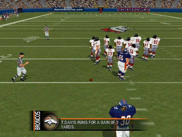 Madden NFL 2000 Windows Terrell Davis runs for a three yard gain.