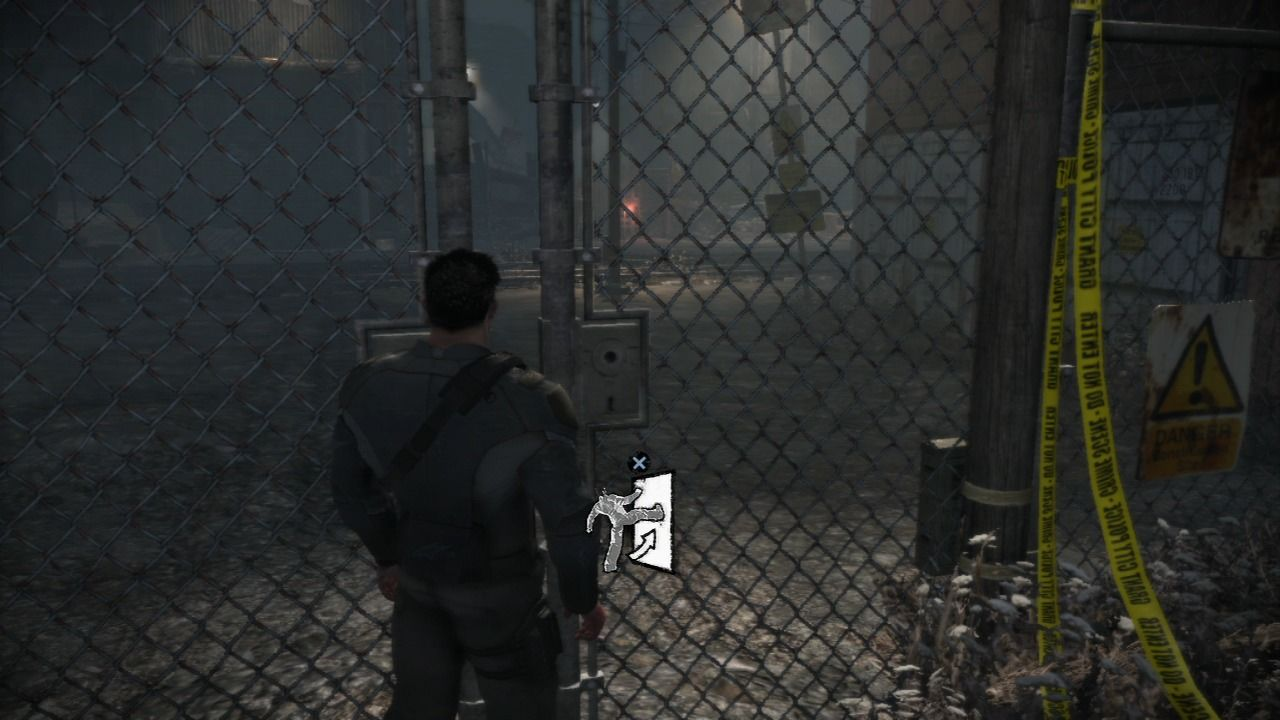 Dead to Rights: Retribution PlayStation 3 Jack doesn't need keys to open gates, he opens them Chuck Norris style.
