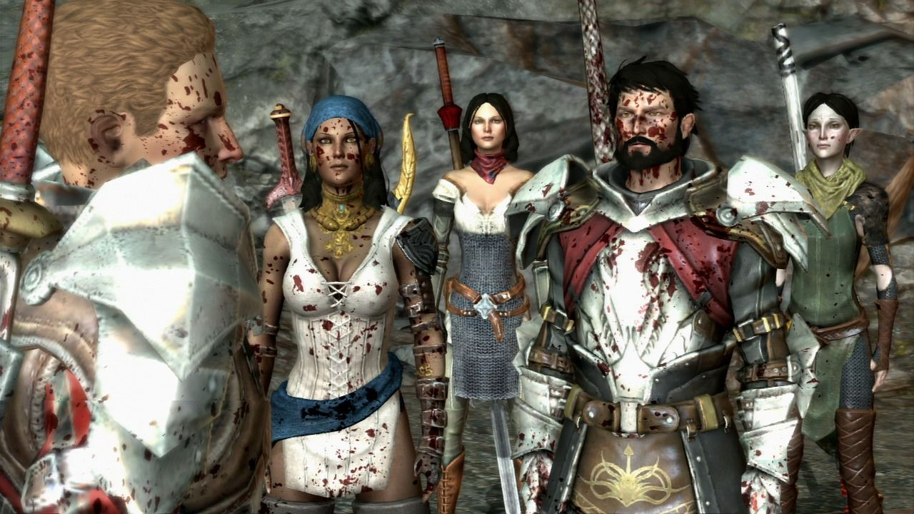 Dragon Age II PlayStation 3 The blood splatter effect after the battle is as present as in prequel.