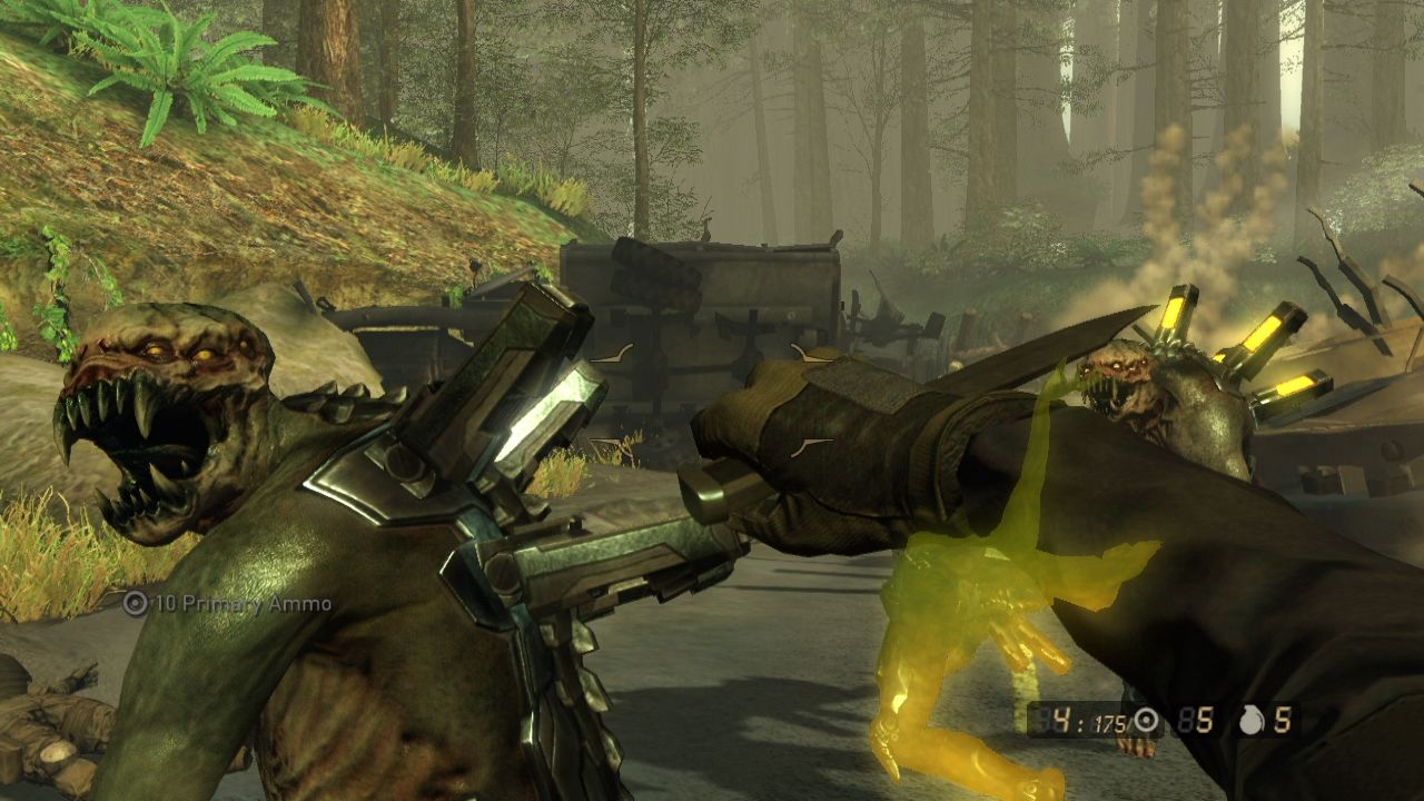 Resistance 2 PlayStation 3 Melee attack might save your life, don't hesitate to use it.