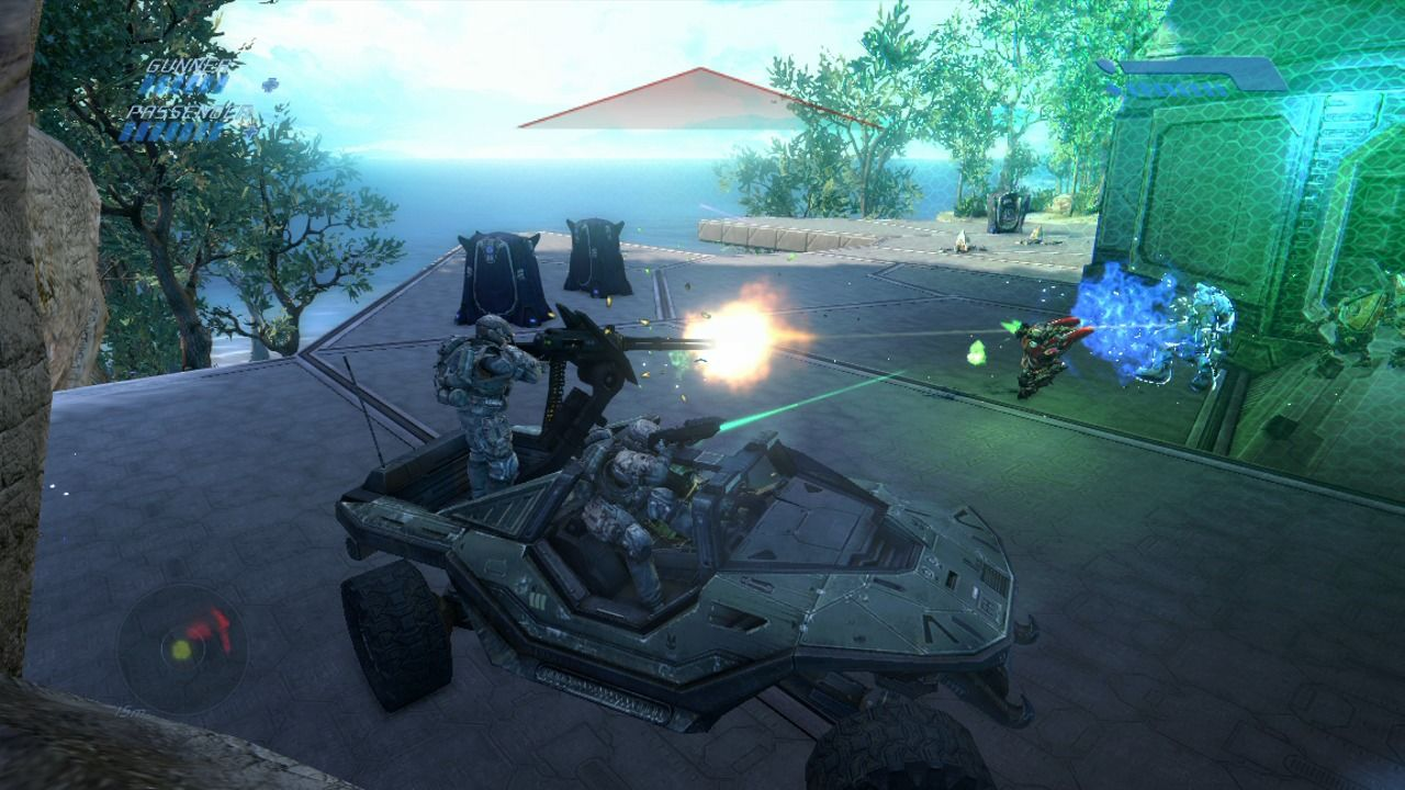 Halo: Combat Evolved - Anniversary Xbox 360 Your comrades will fire at the enemy while you drive.