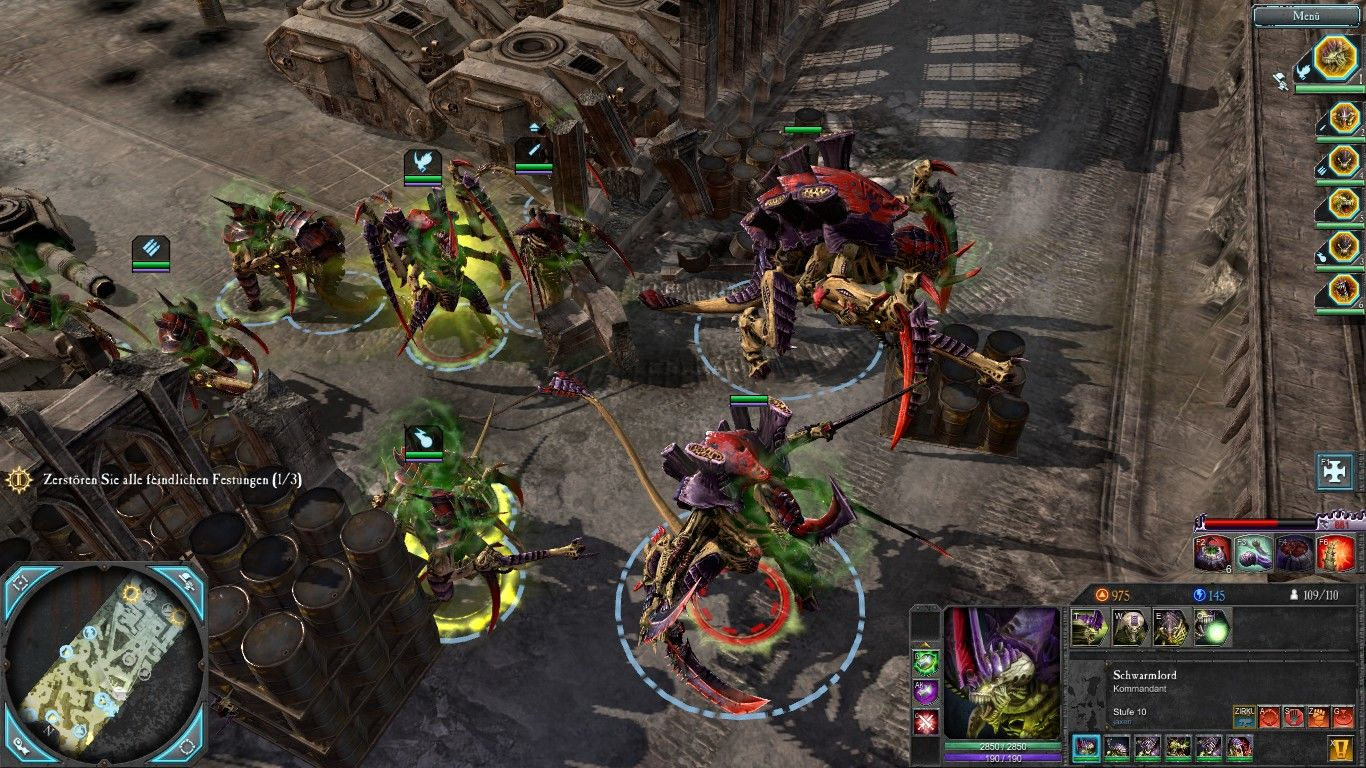 Warhammer 40,000: Dawn of War II - Retribution Windows To the right the super heavy units of the Tyranids: The carnivex and the hive tyrant.