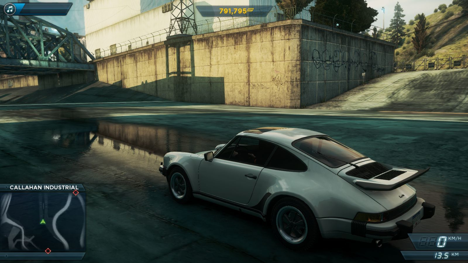 https://www.mobygames.com/images/shots/l/604216-need-for-speed-most-wanted-windows-screenshot-old-porsche.jpg