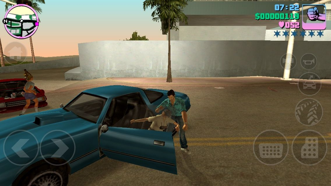 Grand Theft Auto: Vice City iPhone High jacking a car aka Grand Theft Auto