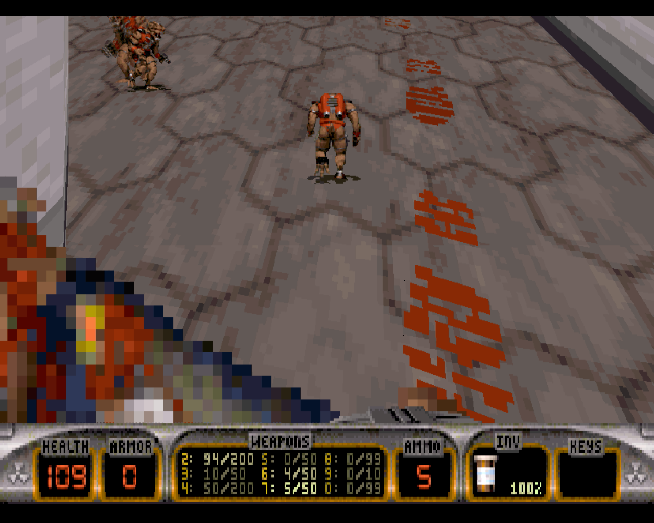 Duke Nukem 3D: Atomic Edition Windows About to stomp on an a mini-d enemies