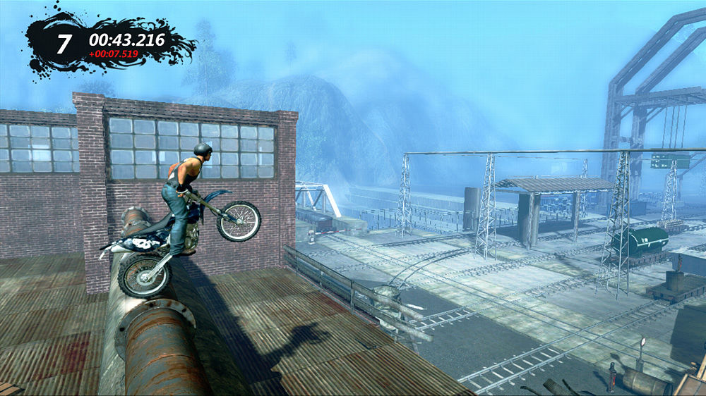 Trials Evolution Xbox 360 Moving over a pipe.