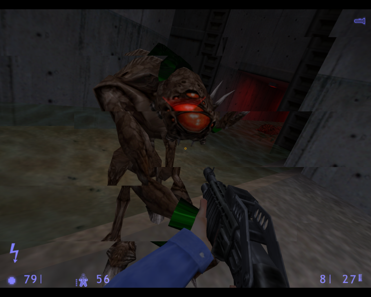 Half-Life: Blue Shift Linux Attacked by a Vortigaunt and a bull squid.