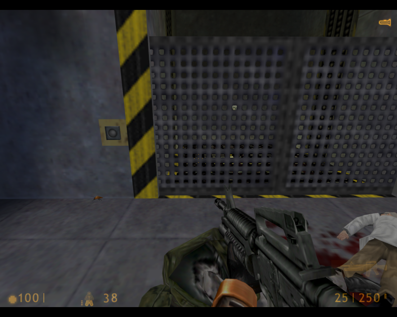 Half-Life Linux Now that I killed the soldier, I get his MP5 submachine gun.