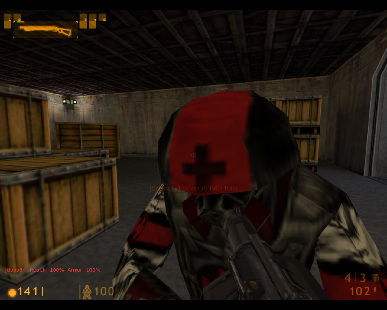 Team Fortress Classic Linux Being worked on by a medic