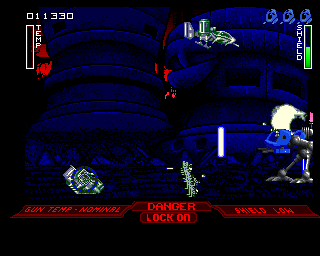 Walker Amiga The Great War 2420 (Avoid laser fire from flying enemies)