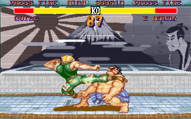 Street Fighter II DOS Honda can't do nothing against Guile's kick