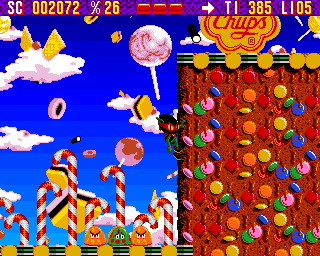 Zool Amiga Sweet World - Zool has ability to cling to walls (AGA version)