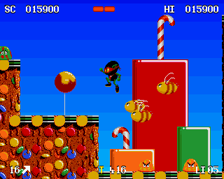 Zool Amiga Sweet World - Bumble bees are fast & dangerous enemies
