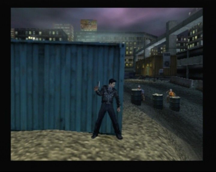 Dead to Rights PlayStation 2 Using container as a cover against armed workers