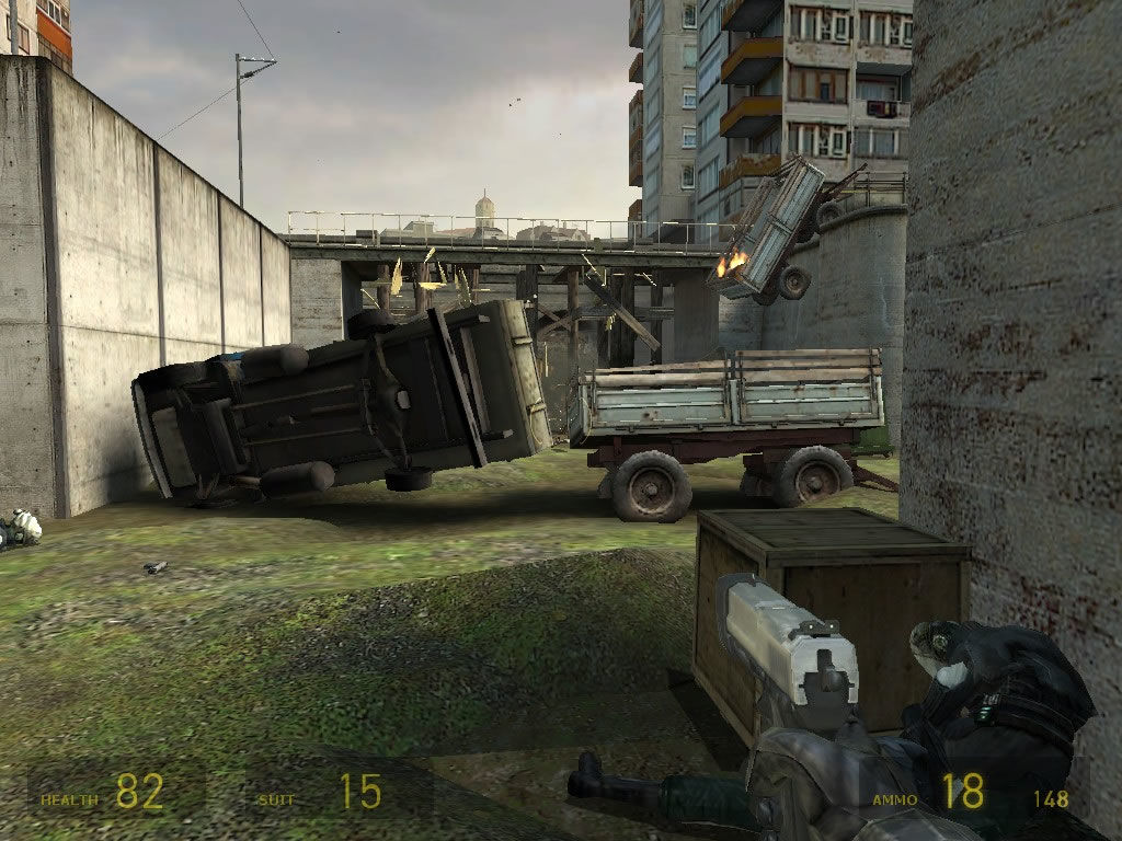 Half-Life 2 Windows The many objects and the varied scenery offer different approaches to difficult situations.