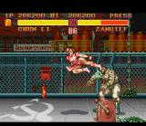 Street Fighter II SNES Chun-Li hits a very styled kick in Zangief: this is just the beginning!