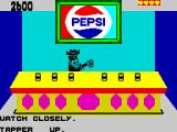 Tapper ZX Spectrum Bonus - the soda bandit shakes 6 of the 7 cans.