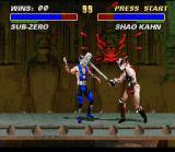 Mortal Kombat 3 SNES Sub-Zero feeling the greatest power of Shao Kahn's Hammer: what a outstanding blow, man!