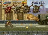 Metal Slug 4 Neo Geo Fio are waiting a good chance to crash the serie of helicopters (Tarma makes a fast cameo too).