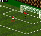 FIFA Soccer 96 Game Gear Taking a penalty in shootout